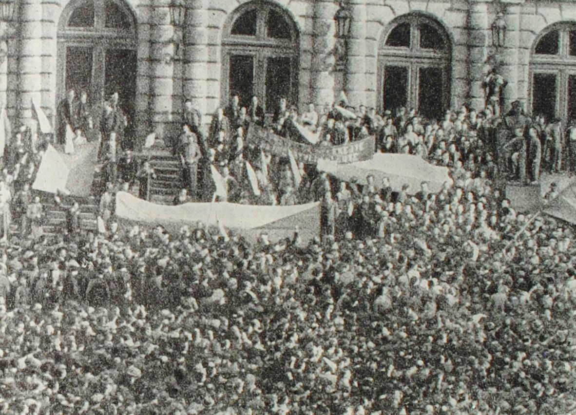 Митинг в Праге в мае 1938 года в защиту независимости республики. Кадр из кинохроники.